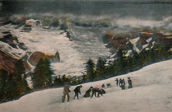 風景(季節別)「Snowballing In Paradise Valley In Midsummer」:写真・画像(15)[壁紙.com]