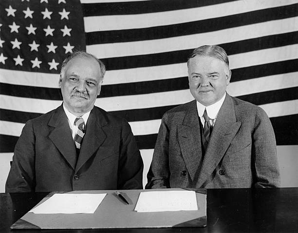 The Vce-President of the United States of America. Charles Curtis (l.) and the president Herbert Hoover vor der Wahl. Photograph. 1929. (Photo by Imagno/Getty Images) Der US-Vize-Präsident Charles Curtis (l.) und der Präsident Herbert Hoover vor der Wahl:ニュース(壁紙.com)