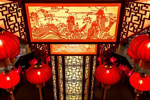 Chinese Lantern「Ornate lanterns in shrine」:スマホ壁紙(14)
