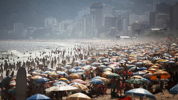 Rio「Rio De Janeiro Records Its Hottest Day Of The Year As Temperatures Hit 108 Degrees」:写真・画像(19)[壁紙.com]