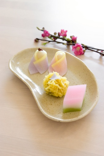 Plum Blossom「Japanese sweets for hinamatsuri」:スマホ壁紙(2)