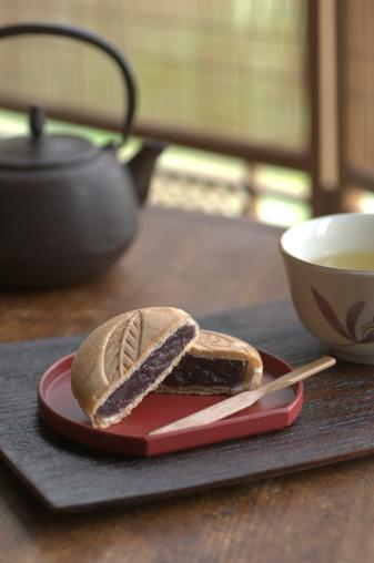 Wagashi「Japanese sweets Monaka with tea set」:スマホ壁紙(19)