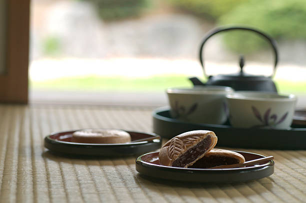 Japanese sweets Monaka with teaset:スマホ壁紙(壁紙.com)