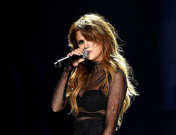 Selena Gomez, DNCE And Bahari Perform At Staples Center:ニュース(壁紙.com)
