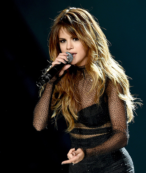 Performance「Selena Gomez, DNCE And Bahari Perform At Staples Center」:写真・画像(3)[壁紙.com]