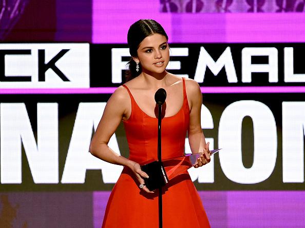 Selena Gomez「2016 American Music Awards - Show」:写真・画像(19)[壁紙.com]