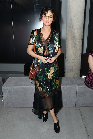 Selena Gomez「Prada Resort 2019 Fashion Show - Arrivals And Front Row」:写真・画像(16)[壁紙.com]