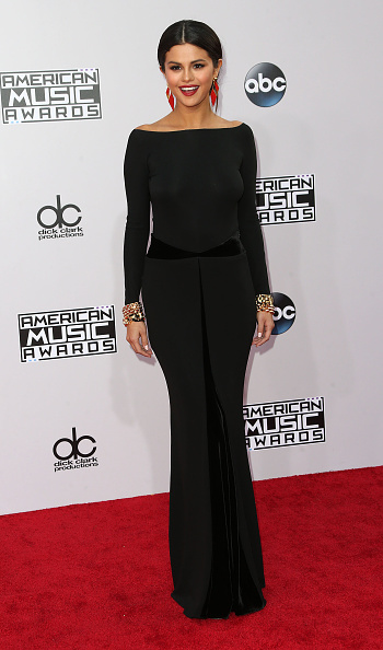 Black Color「42nd Annual American Music Awards - Arrivals」:写真・画像(7)[壁紙.com]