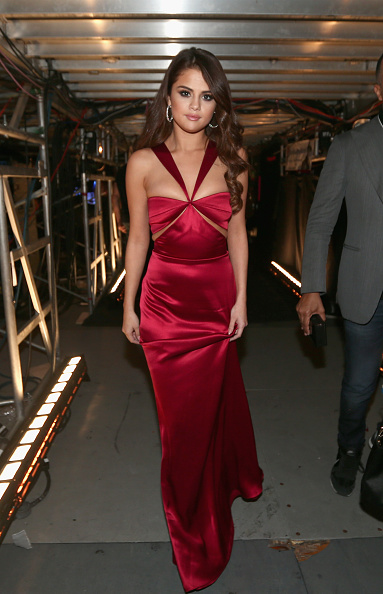 Selena Gomez「The 58th GRAMMY Awards - Backstage And Audience」:写真・画像(12)[壁紙.com]