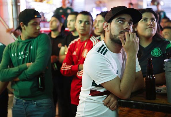 Baja California Norte「Soccer Fans In Tijuana Watch Mexico-Brazil World Cup Match」:写真・画像(17)[壁紙.com]