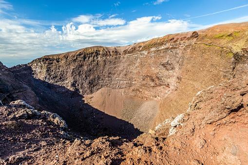 Volcanic Landscape「mount vesuvius volcano crater, italy」:スマホ壁紙(3)