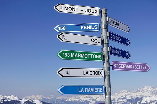 Ski Resort「 French Alps.   Signposts on the ski fields. France.」:スマホ壁紙(14)