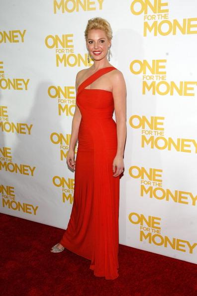 """アシンメトリー服「""""One For The Money"""" New York Premiere - Inside Arrivals」:写真・画像(18)[壁紙.com]"""