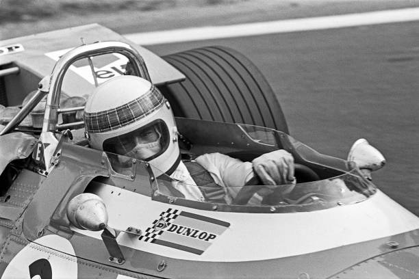Jackie Stewart - Race Car Driver「Jackie Stewart At Grand Prix Of France」:写真・画像(4)[壁紙.com]