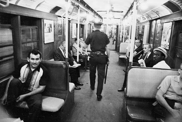 New York City Subway「Carriage Cop」:写真・画像(19)[壁紙.com]