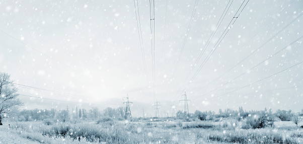 Electricity Pylon「Electricity Pylons in the Winter Storm with a Blizzard」:スマホ壁紙(5)