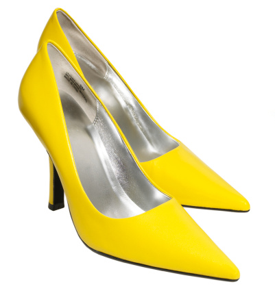 黄色「Yellow leather pointy toe high heels against white background」:スマホ壁紙(18)