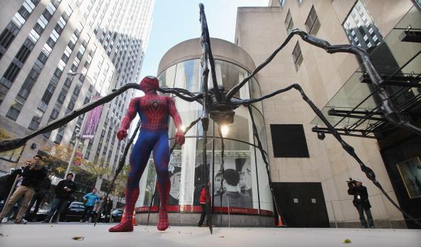 Sculpture「Christie's Auction House Unveils Giant Spider Sculpture」:写真・画像(19)[壁紙.com]
