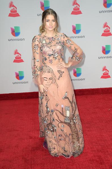 年次イベント「The 18th Annual Latin Grammy Awards - Arrivals」:写真・画像(2)[壁紙.com]