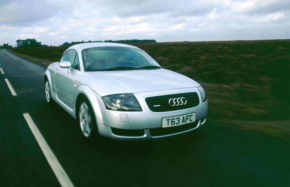 Audi「1999 Audi TT Quattro」:写真・画像(10)[壁紙.com]