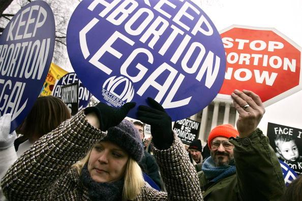 Abortion「Pro-Life Activists Observe 32nd Aniversary Of Roe v Wade」:写真・画像(15)[壁紙.com]