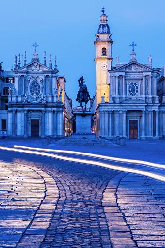 Piedmont - Italy「Santa Cristina and San Carlo churches at Piazza San Carlo in Turin, Italy」:スマホ壁紙(4)