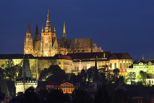 St Vitus's Cathedral「Saint Vitus Cathedral at dusk, Prague, Czech Republic」:スマホ壁紙(3)