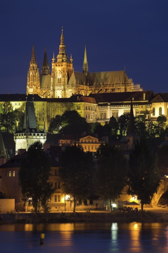 St Vitus's Cathedral「Saint Vitus Cathedral and Vlatava River at dusk, Prague, Czech Republic」:スマホ壁紙(17)