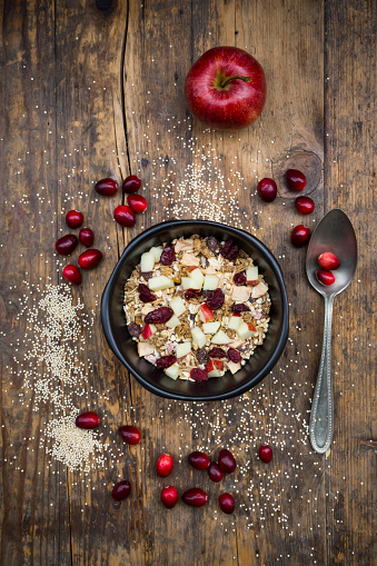 Quinoa「Muesli with puffed quinoa, wholemeal oatmeal, raisins, dried cranberries and apple」:スマホ壁紙(8)