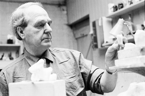 Sculptor「Henry Moore At Work」:写真・画像(17)[壁紙.com]