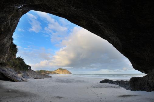 アーチウェイ島「Sea Cave」:スマホ壁紙(3)