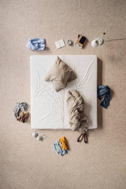 Rumpled bed, top view:スマホ壁紙(壁紙.com)