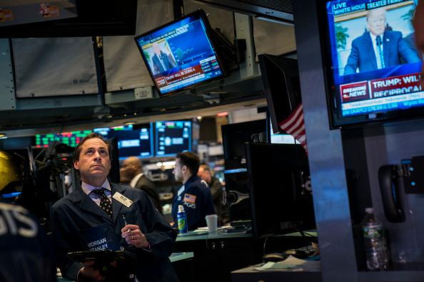 Trader「U.S. Markets React To Trump's Announcement On Steel And Aluminum Tariffs」:写真・画像(3)[壁紙.com]