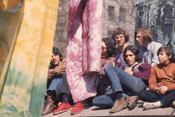 1970-1979「Hippies In Park On Earth Day」:写真・画像(6)[壁紙.com]
