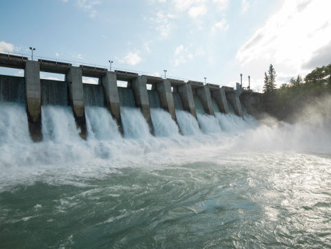 Environmental Conservation「Hydroelectric dam during Spring runoff, full water」:スマホ壁紙(8)