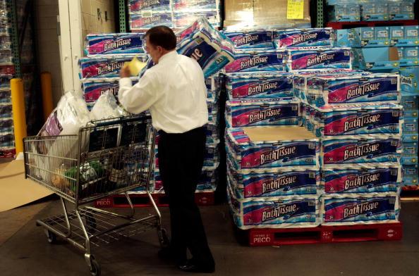 Bathroom「Economic Downturn Prompts Economy Shopping In American Southwest」:写真・画像(11)[壁紙.com]