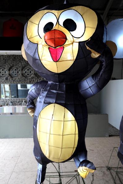 動物「Indonesians Make Giant Lanterns Ahead Of Chinese New Years Celebrations」:写真・画像(5)[壁紙.com]