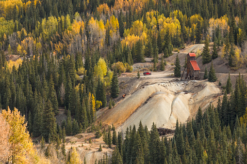 Uncompahgre National Forest「Yankee Girl mine in autumn」:スマホ壁紙(10)