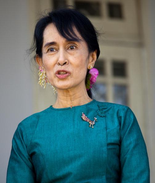 Paula Bronstein「U.S. Secretary of State Clinton Makes Historic Trip To Myanmar」:写真・画像(19)[壁紙.com]