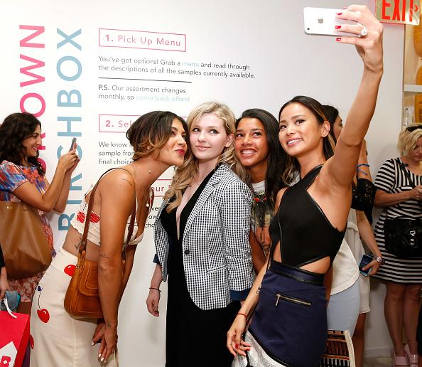 アビゲイル ブレスリン「Birchbox Celebrates The Opening Of The Birchbox Flagship Store In NYC」:写真・画像(5)[壁紙.com]