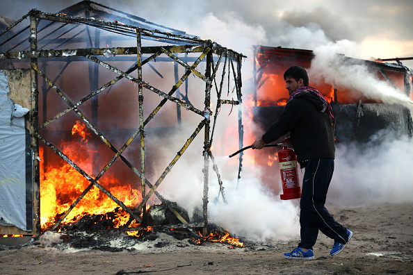 Calais「Destruction Of Calais Jungle Camp Begins」:写真・画像(19)[壁紙.com]
