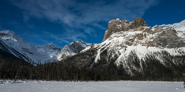 Yoho National Park「Snow on the rugged Canadian Rocky Mountains and a snow covered field, Yoho National Park」:スマホ壁紙(14)