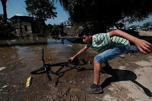 ETA「Aftermath Of Tropical Storm Eta In Honduras」:写真・画像(16)[壁紙.com]