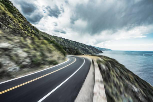 coastal road,blurred motion:スマホ壁紙(壁紙.com)