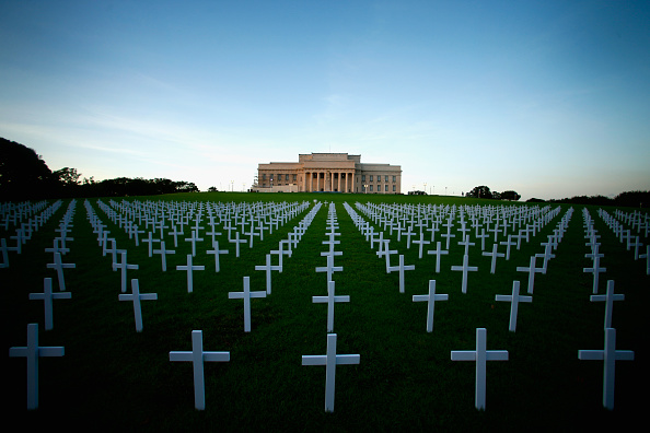 Auckland「Crosses Planted At Auckland War Memorial Ahead Of ANZAC Day」:写真・画像(16)[壁紙.com]