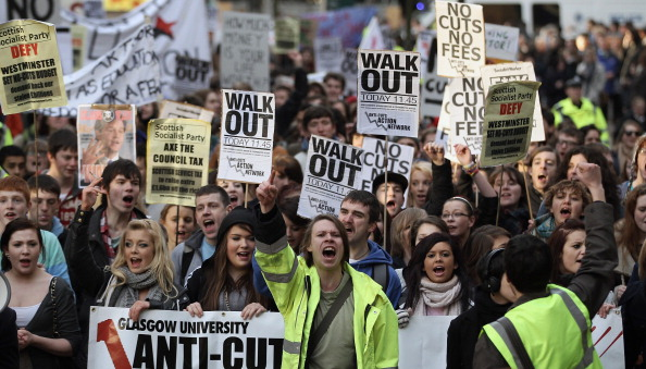 Glasgow - Scotland「Students Protest Over The Government's Proposed Changes To Tuition Fees」:写真・画像(13)[壁紙.com]