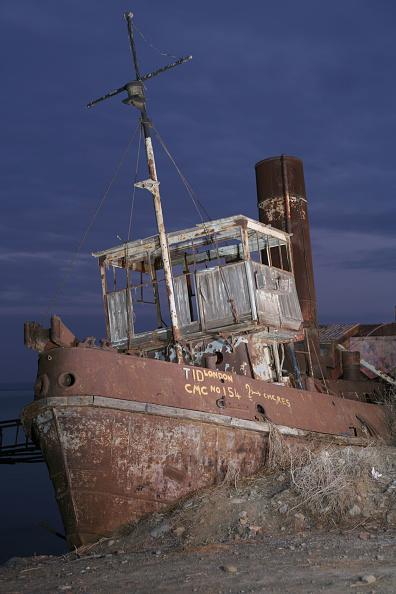 Finance and Economy「A steam tug abandoned in the North Cyprus village of Gemikonagi on the Mediterranean coast. December 2008」:写真・画像(9)[壁紙.com]