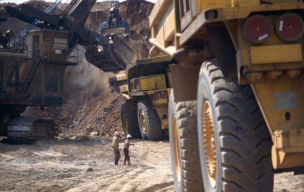 Zambia「Biggest quarry trucks in the world at open cast copper mine Zambia」:写真・画像(1)[壁紙.com]