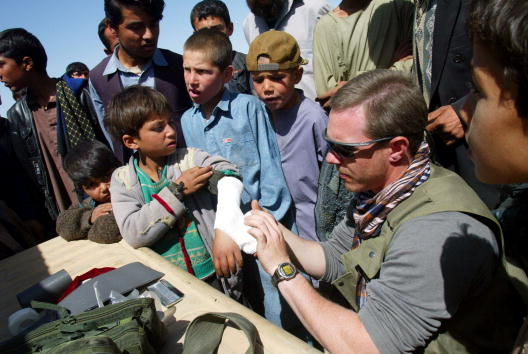 Operation Anaconda「U.S. Soldiers Near Bagram Air Base in Afghanistan」:写真・画像(12)[壁紙.com]