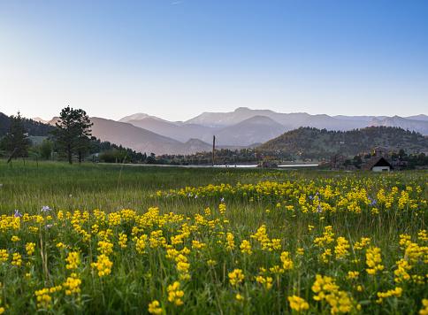Surrounding「Estes Park in Colorado」:スマホ壁紙(4)